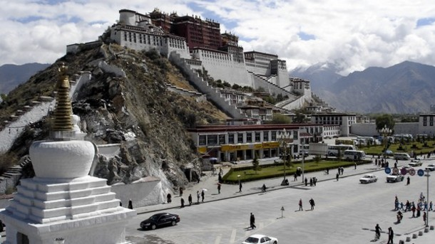 Campaigners-alarmed-by-KFC-s-decision-to-open-first-store-in-Tibet_strict_xxl
