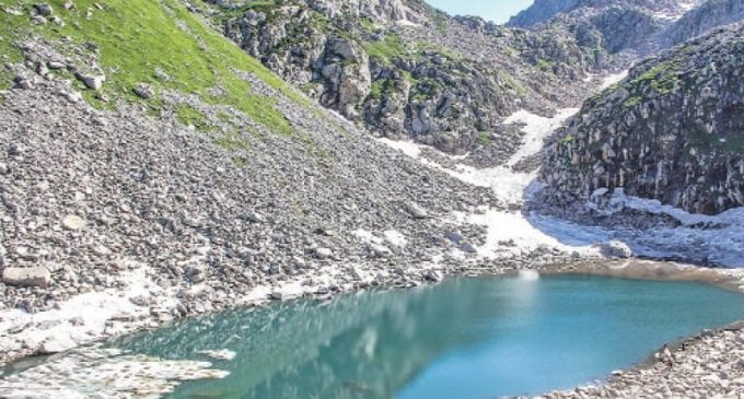 'Dark water lake' in Swat drawing tourists in numbers