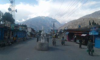 Traders observe shutter-down strike in Gahkuch against load-shedding