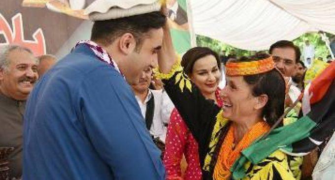Bilawal lambastes politics of hypocrisy, intolerance; terms Nawaz, Imran two sides of the same coin